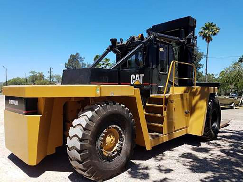 Heavy Duty Caterpillar Forklift Transport | Titan Worldwide | (888) 500-8884